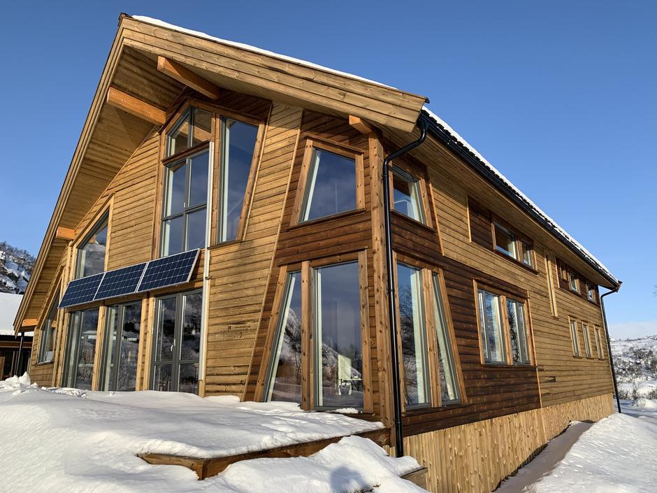 Besøk de nye hyttene på Kvinen