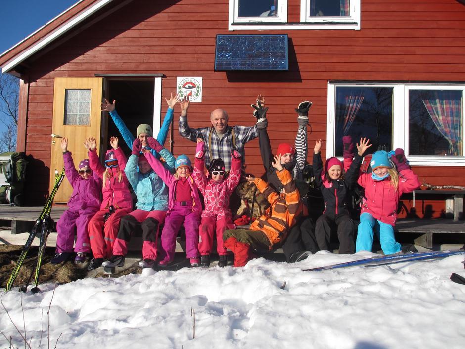 Barnas Turlag Senja har blant annet vært på tur til O-hytta.