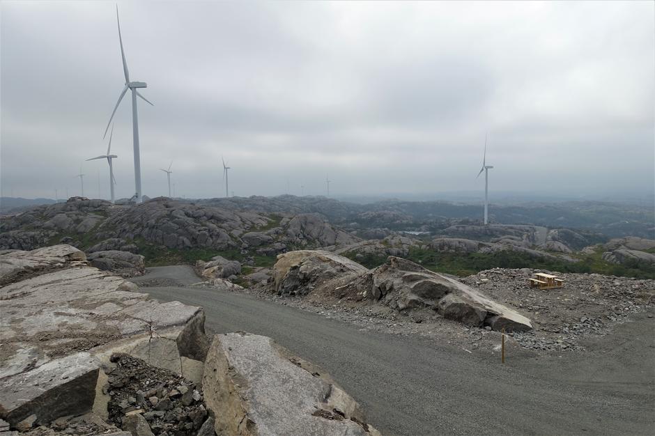 IRREVERSIBELT: Sårene i landskapet i et vindkraftanlegg er permanente. Her fra Egersund vindpark.
