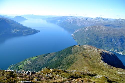 Utsikt frå Oksen utover Hardangerfjorden