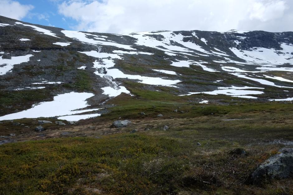 Bar sti ned til Grøndalen