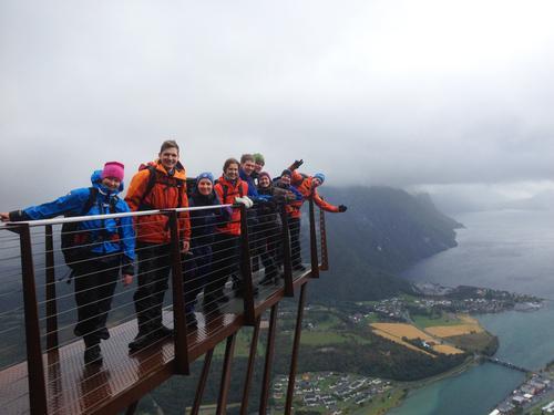 Blide deltakere over Åndalsnes.