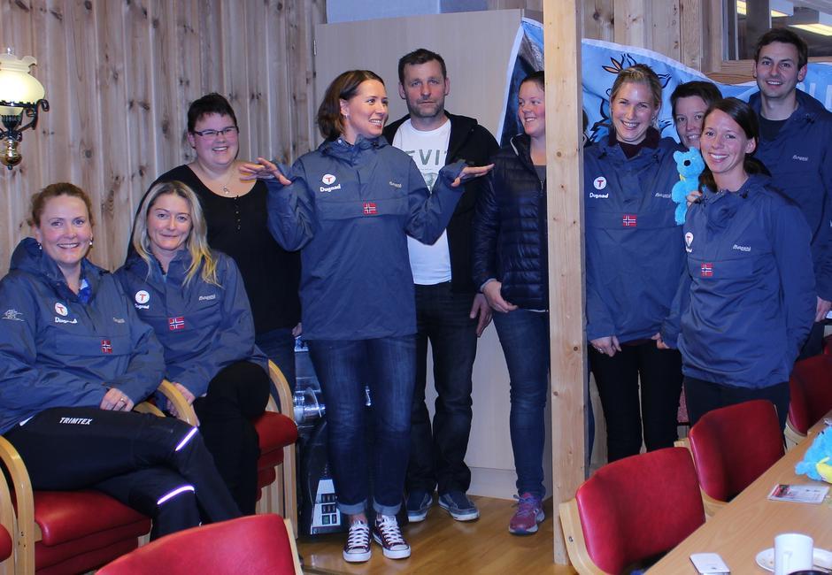 Ein del av foreldregruppa til det nye Barnas Turlag i Gjerstad