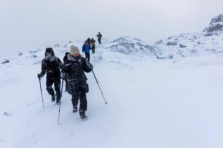 Prekestolen 600 meter før toppen den 13 november. Er du usikker på om du har nok erfaring kan du bestille guide fra Outdoorlife Norway.