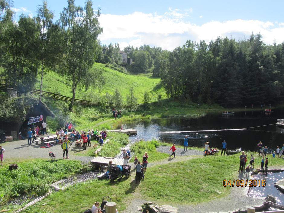 04.09.2016 - Kom deg ut dag på Sagedammen. Ca 215 stk kosa seg i sola med fisking, kano natursti med meir.