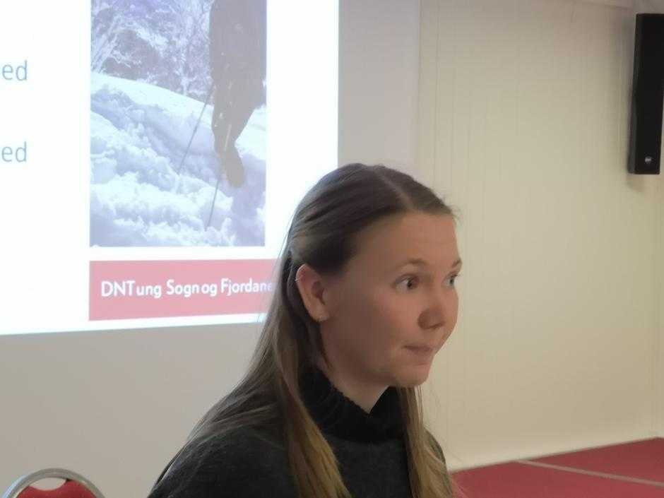 Marie Sørum fortalde om arbeidet med å få ungdom interessert i turaktivitetar.