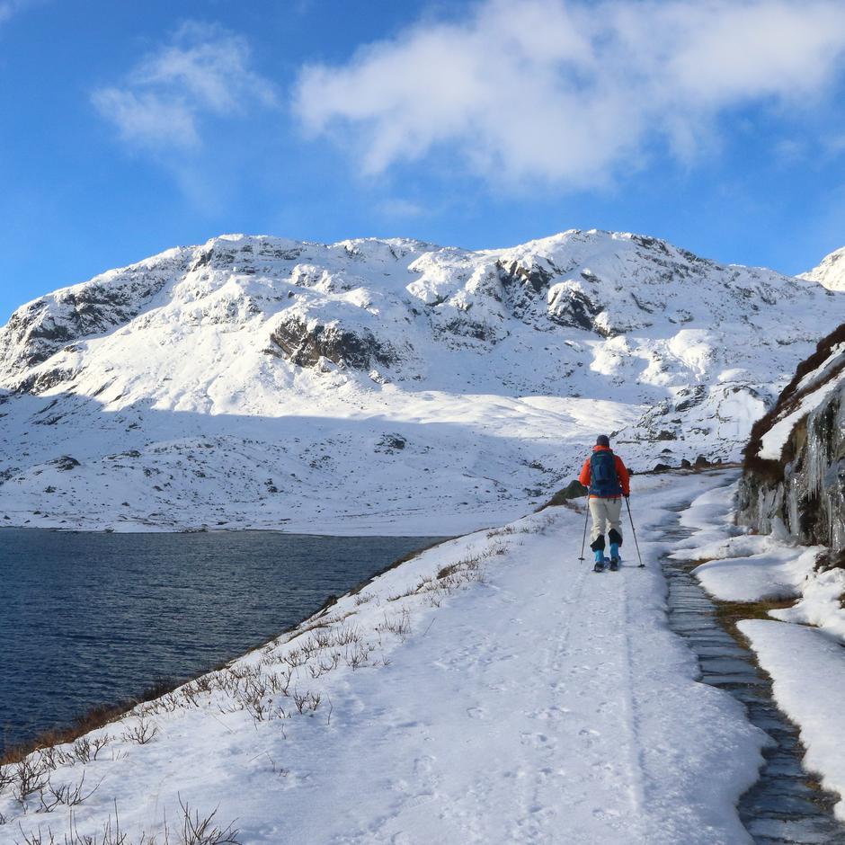 Haukeliseter. Innover mot Nupsdalen langs Ullevåvatnet.