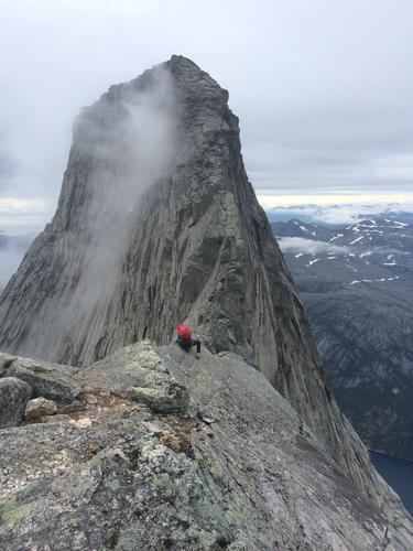 Toppen av Stetind sett fra Hals fortopp.