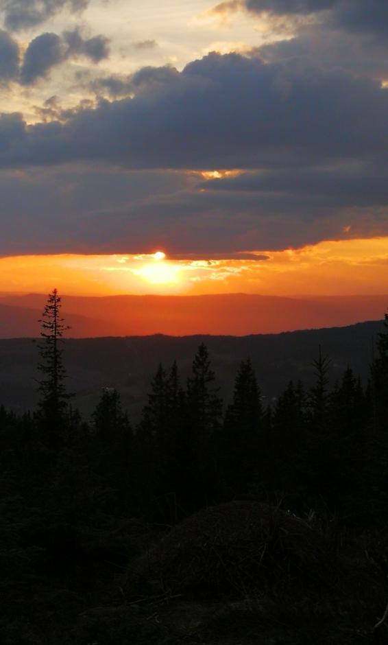 Vakker solnedgang sett fra Balbergkampen