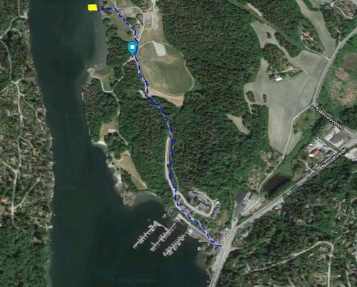 Gangvei fra buss til brygga - ca. 1 km.