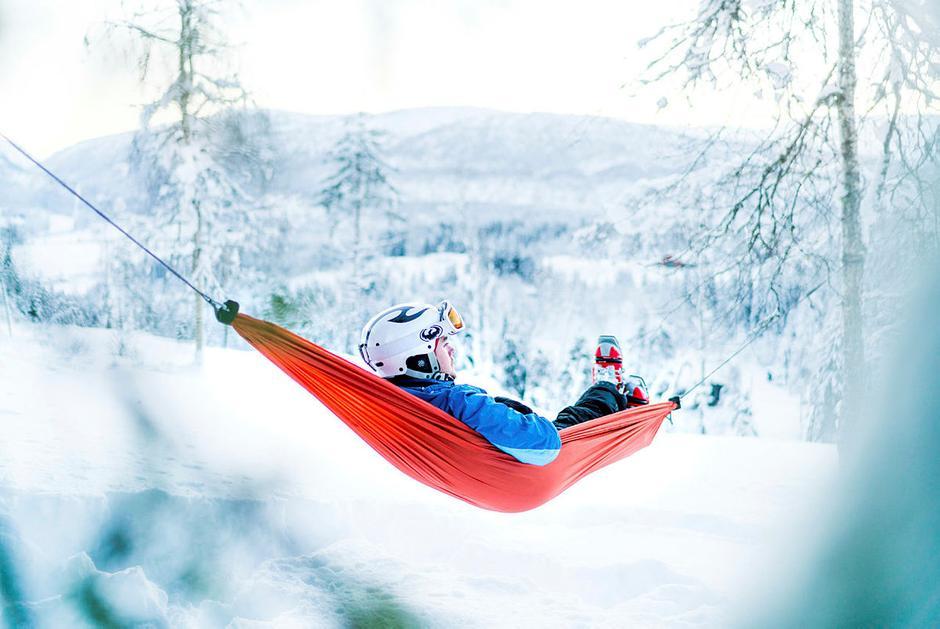 For meg handler vinteren om stillheten i naturen. Denne dagen var vi tre venner på ski i Norges eldste stolheis, Oppheimsheisen i Voss kommune.