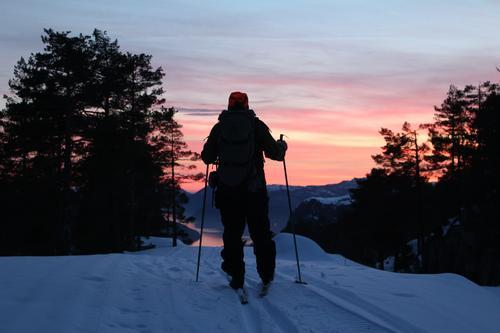 I nærheten av Mestølen, Vanvik. Suldal kommune. Kveldstur på ski.