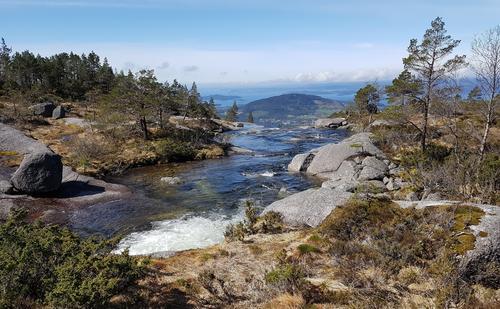 Utsikt frå Bremstølsvatnet