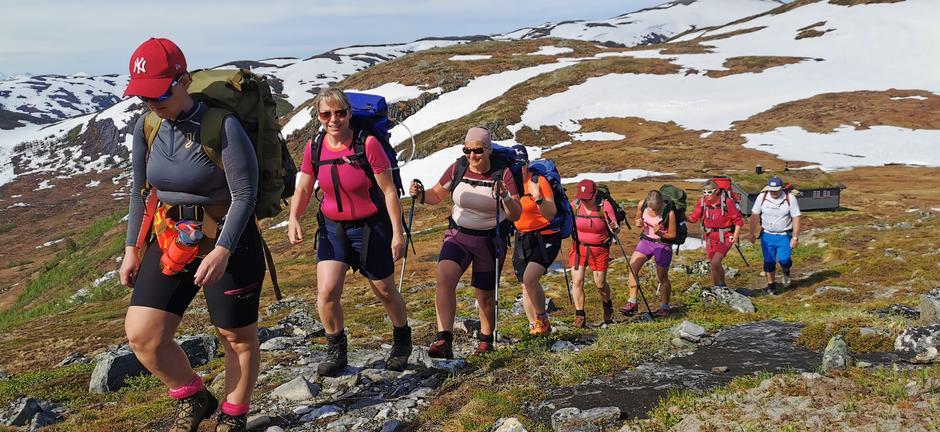 Tverrlihytta unnalagt, nå er det Hardbakkhytta neste på Fjordruta.