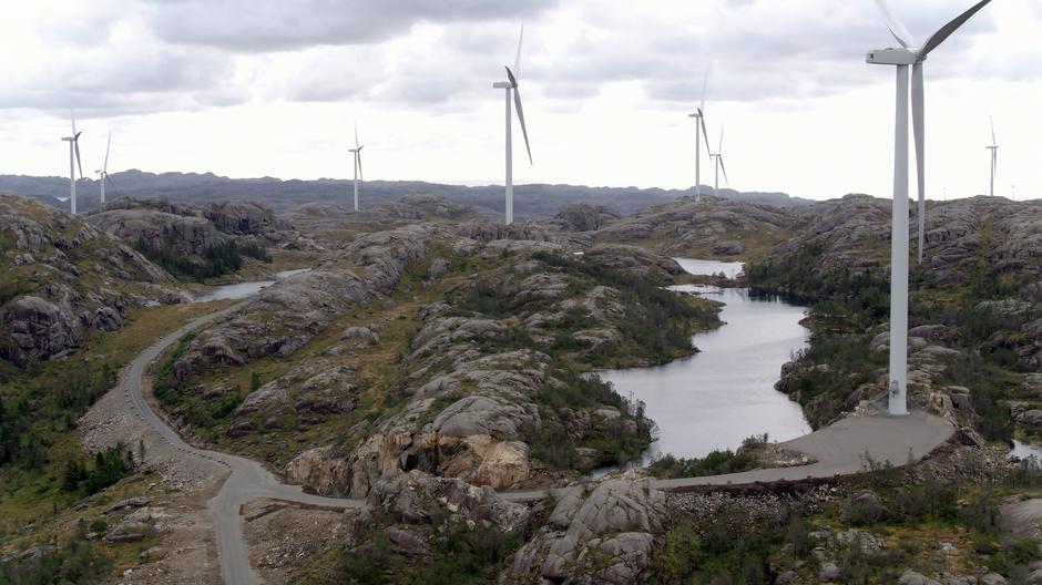 Vi trenger en ny politikk for vindkraft på land som gjør at vi klarer å ta bedre vare på urørt natur. En rekke organisasjoner har nå samlet seg om krav til gjennomgangen av konsesjonssystemet. Tellenes vindkraftanlegg i Rogaland.