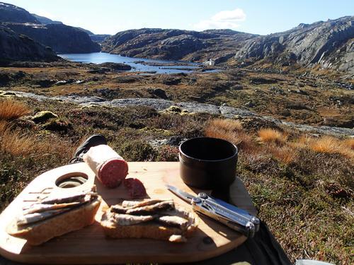 Matøkt med utsikt over Fjellvatnet