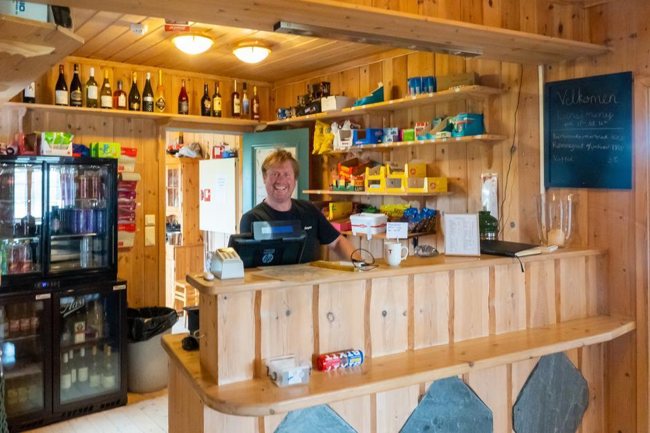 En fornøyd bestyrer, Svein Arne, er klar for sommerinnrykk.
