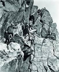 Therese og turkameratene Ole Berge og William Cecil Slingsby i 1900.