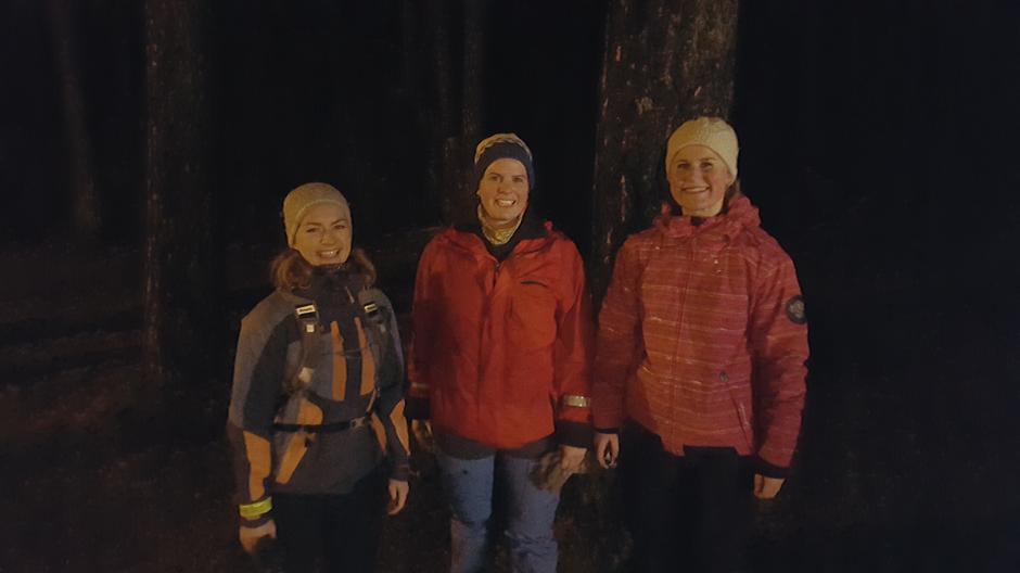 Dnt ung Tønsberg på kveldstur i Eikskogen, Tiri, Kari og Live