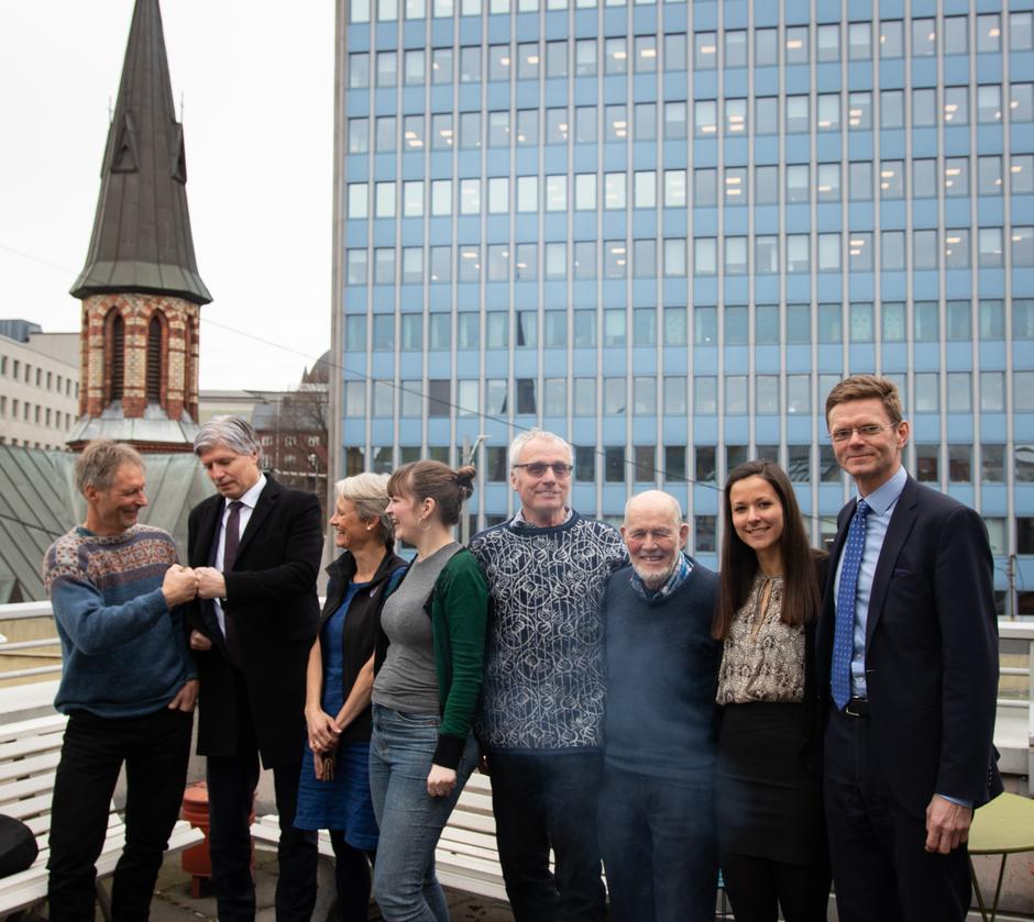 Det var en fornøyd gjeng som var samlet utenfor Naturvernsforbundet på tirsdag.