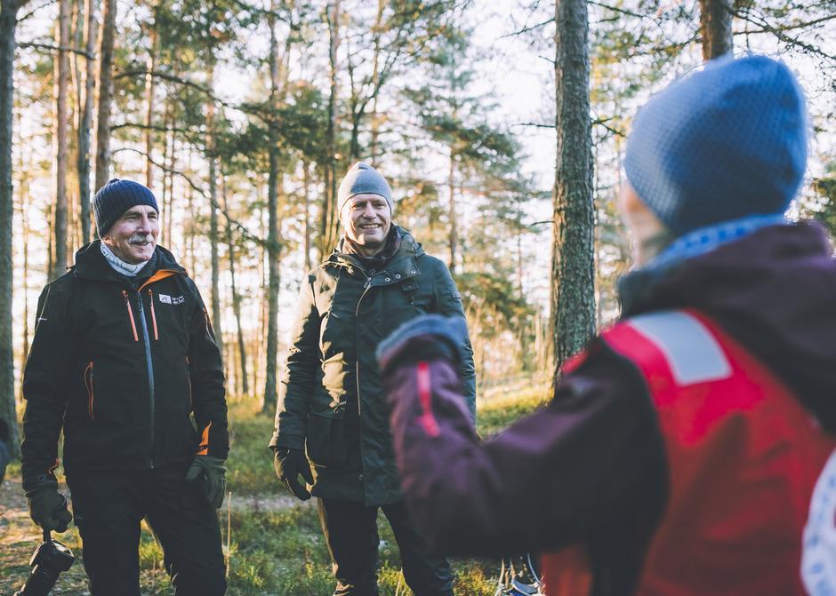 Barn og unge er den viktigste målgruppen i friluftslivarbeidet. Det er både Steinar Saghaug, styreleder i Friluftsrådenes Landsforbund, og klima- og miljøminister Ola Elvestuen enige om.