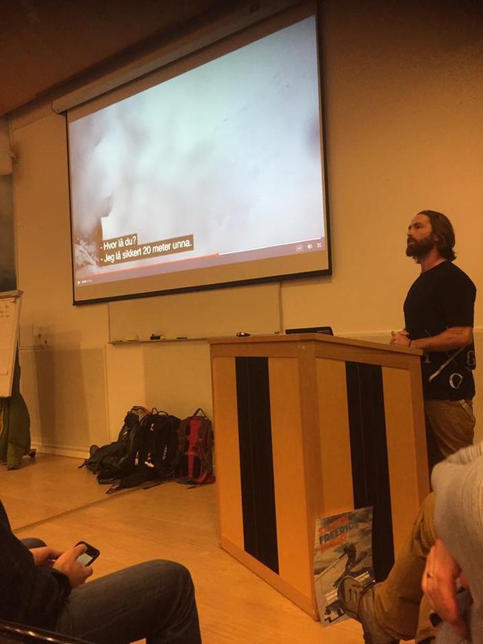 Gaute Hangaas Brenna viser film fra da han selv ble tatt og begravd i snøskred