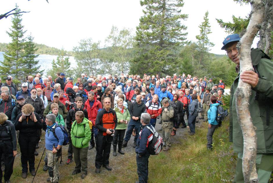 Åpningstur på Heigeitilløypa, Tollef Moen (t.h.) og 240 (!) turdeltakere.