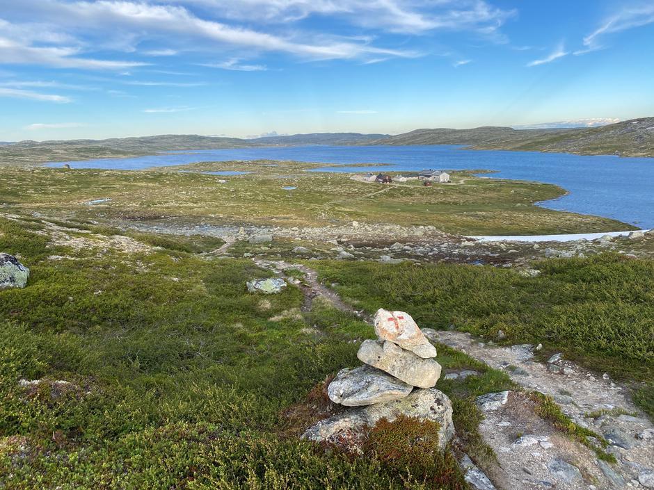 Vakkert utsyn ned mot Krækkja 27. juni 2021.