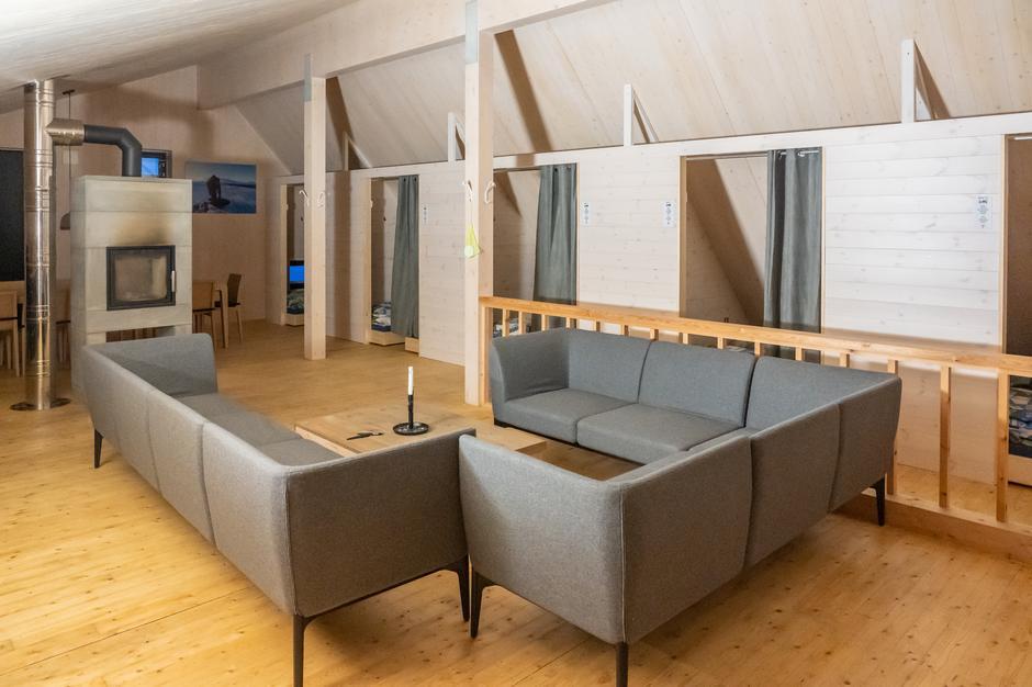 Nye sovealkover på hemsen på Nye Høgevarde