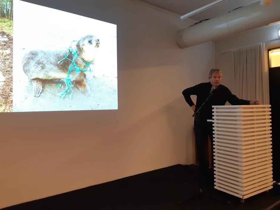 Arne Nævra, mangeårig naturfotograf i NRK, no stortingsrepresentant for SV, og ein av dei som heldt innlegg på seminaret.