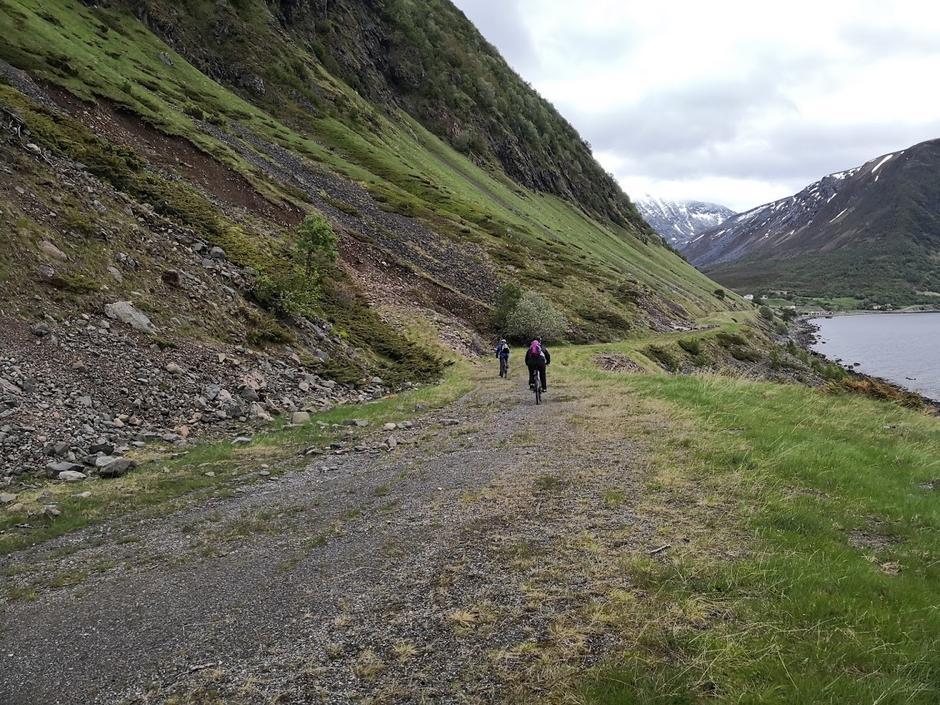 På gamleveien på tilbaketuren.