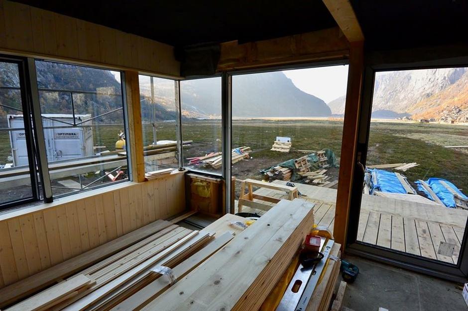 Den nye hytta i Viglesdalen er straks ferdig. Etter siste dugnad til helgen er den klar for overnatting fra mandag 29 oktober.