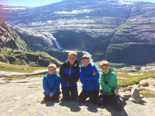 Turtips:  Kinsarvik-stavali
