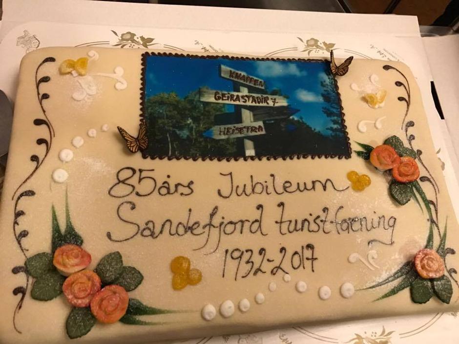 85.års jubileumskake