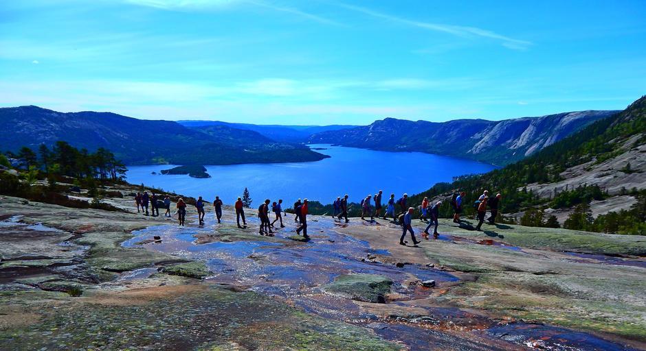 Flott utsikt på veg til Kronfjell.