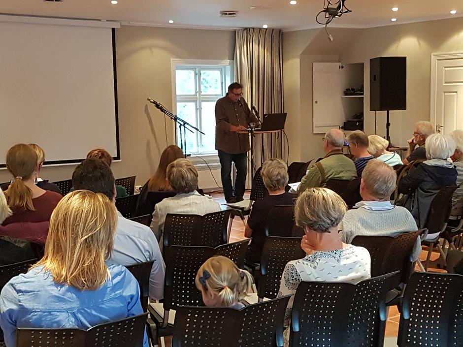 Styreleder i Aust-Agder turistforening Svein Hjorth-Olsen åpnet festivalen.