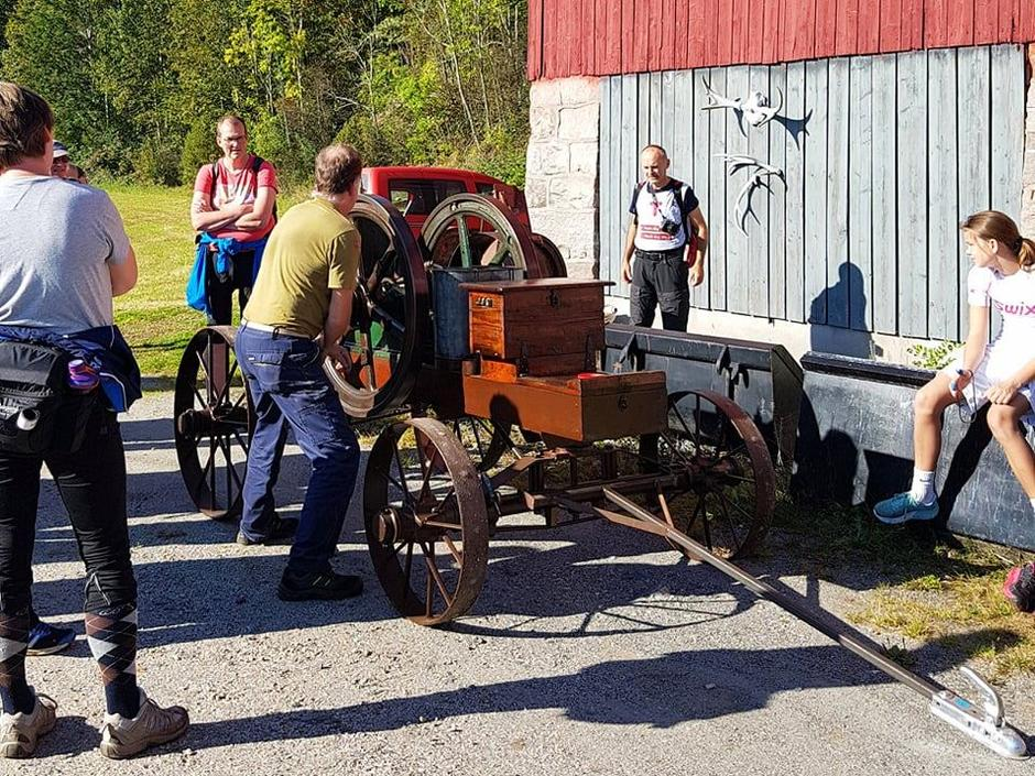 Ole Bjørn Moe starter en motor fra 1912!