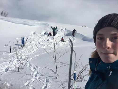 Snøhuleterrenget vi skal boltre oss i!