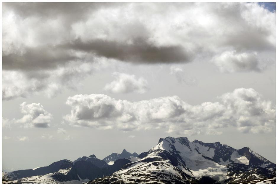 Jotunheimen: Majestetisk skue over Hurrungane.