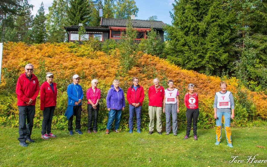 Alle turlederne i Eiker gjennom 10 år. Torill nr. 2 fra høyre.