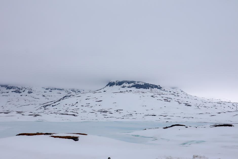 Isen på vannene er fremdeles betegnet som liten fare for å gå igjennom, men det må forventes store mengder overvann