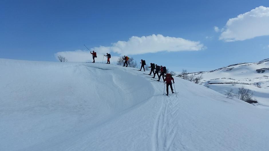 Fjellsportgruppa hadde tur i helgen. Her på vei inn Gofardalen