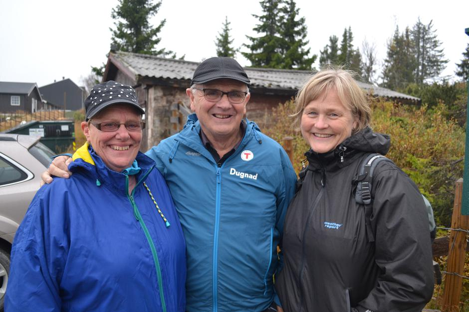 Turleder Svein Erik Bergundhaugen og to av deltakerne