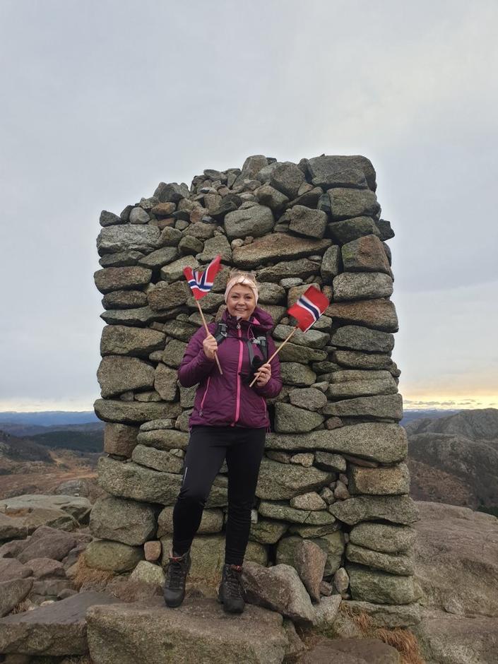 HELT I 100: Gro Ravndal Bruarøy feiret 100 topper på Dalsnuten 12. desember i fjor.