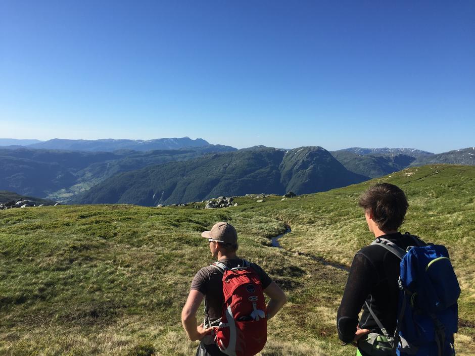 Nydelig utsikt på turen fra Blomstølen og ned til Kyrping