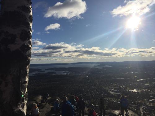 Kolsåstoppen, Bærum. Flott høstdag med solstråler og nydelig utsikt