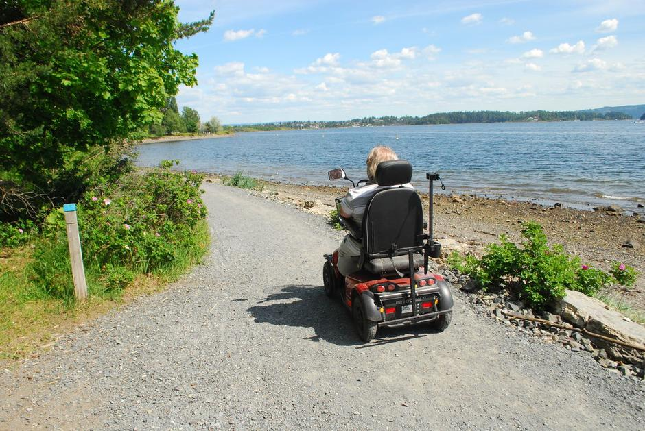 Kyststien på Høvikodden er godt egnet for rullestol.