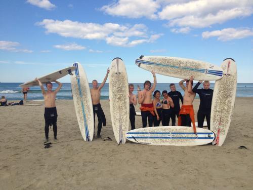 Har du lyst til å lære å surfe?