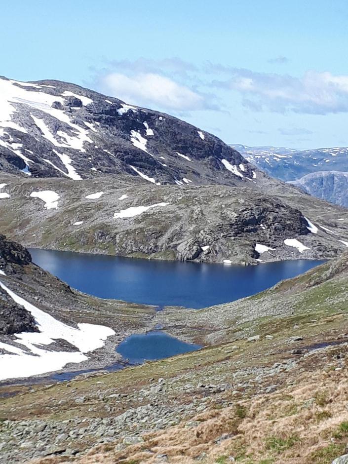 På veg til Ramsøynuten, Kjelfossvatn.