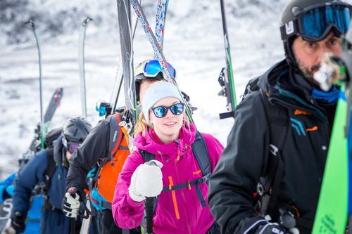 LANG, LANG REKKE: Sail&Ski på Gjende har kapasitet til 48 deltakere - bli en av dem!